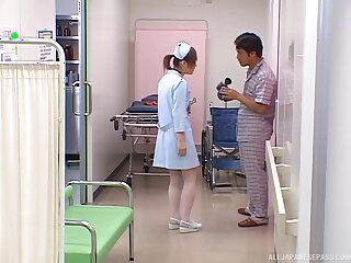Asian nurse gets the gumshoe in a pretty kinky scene