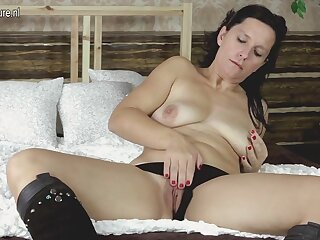 Horny Housewife Playing With Her Plaything On Her Bed - MatureNL